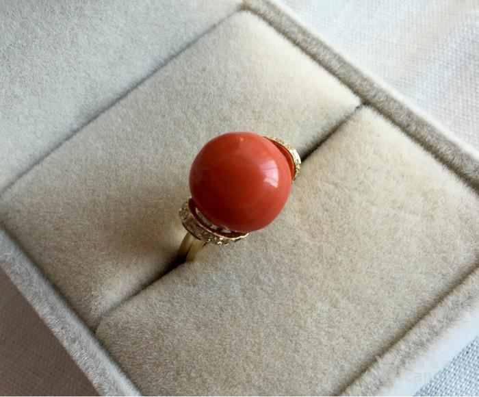 14k金镶嵌钻石圆面深色莫莫momo红珊瑚戒指