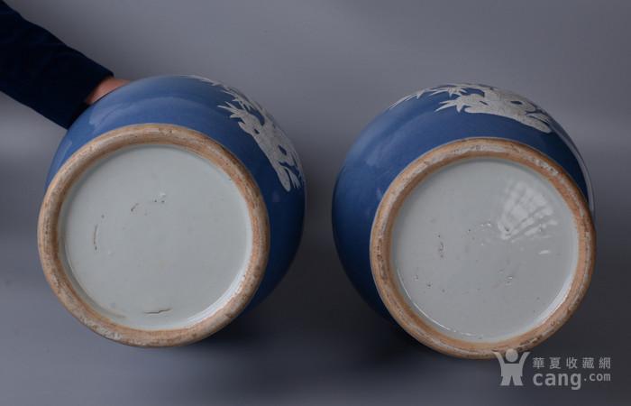 欧洲回流蓝釉堆白花鸟大瓶一对图7