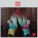 雕塑瓷厂粉彩雕塑《三童扛桃》