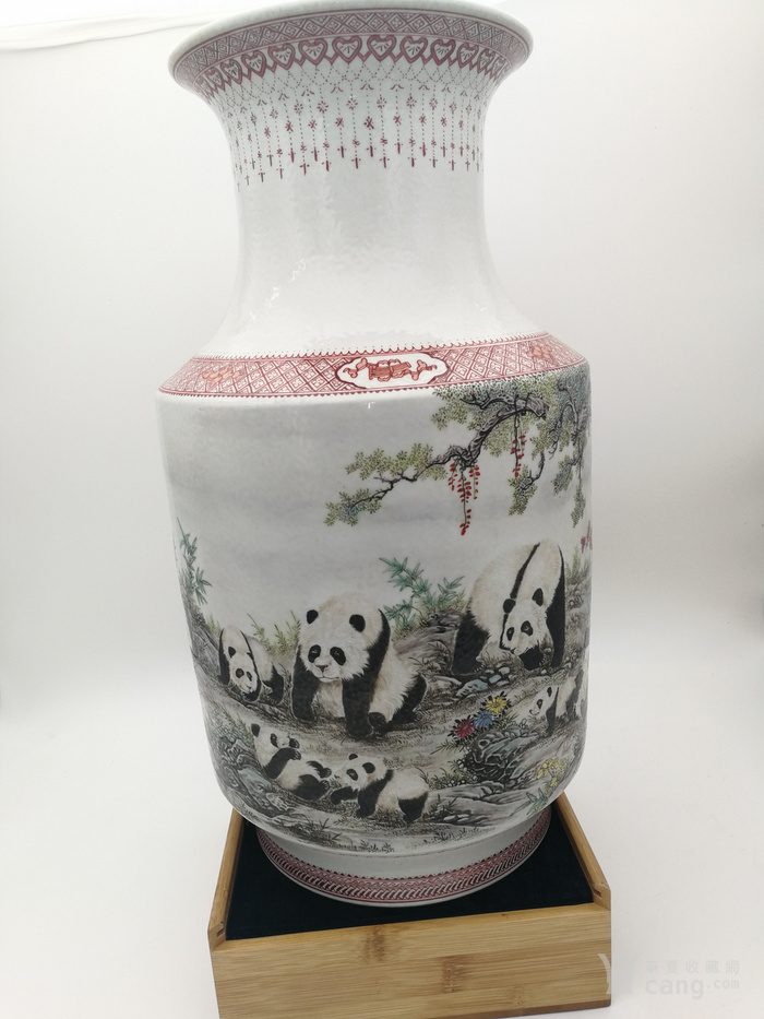 珠山名家  章鉴作品  国宝熊猫冬瓜瓶图2