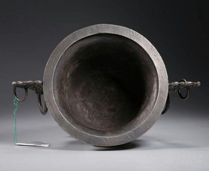清代包浆厚重的老银嵌宝熏炉图3