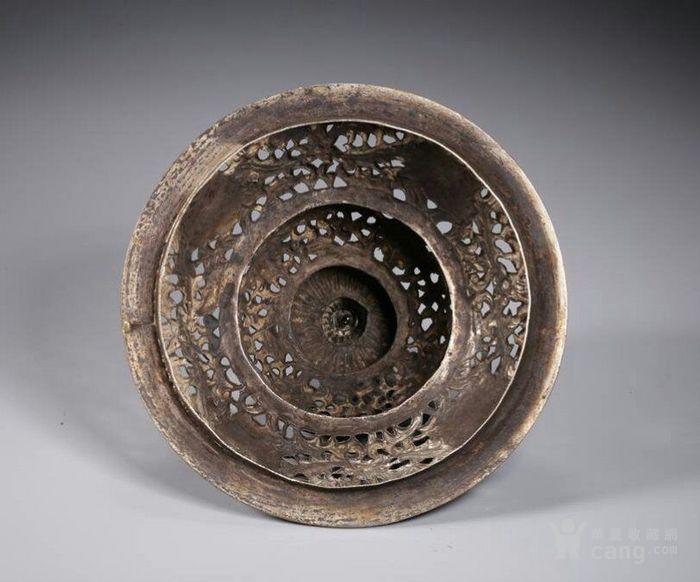 清代包浆厚重的老银嵌宝熏炉图4
