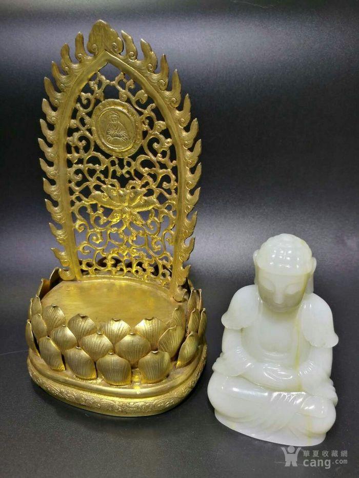 清代和田白玉释迦牟尼佛造像带铜鎏金底座图5
