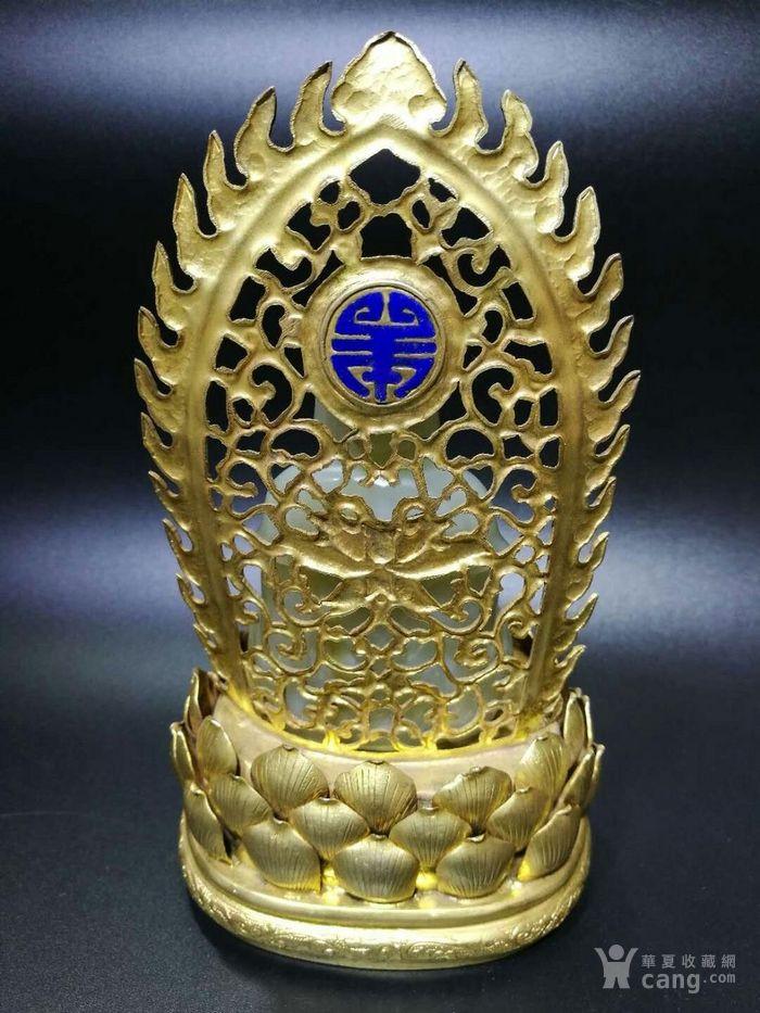 清代和田白玉释迦牟尼佛造像带铜鎏金底座图6