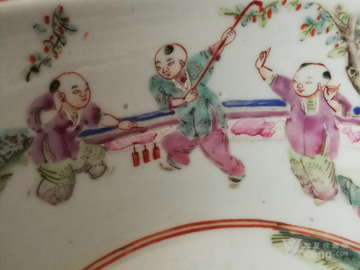 清晚期粉彩人物纹手盆图5