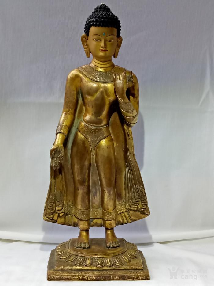 尼泊尔十三世紀红銅鎏金釋迦牟尼佛立像图2
