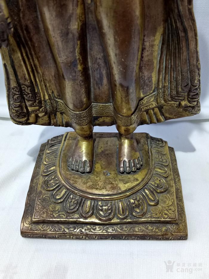 尼泊尔十三世紀红銅鎏金釋迦牟尼佛立像图10