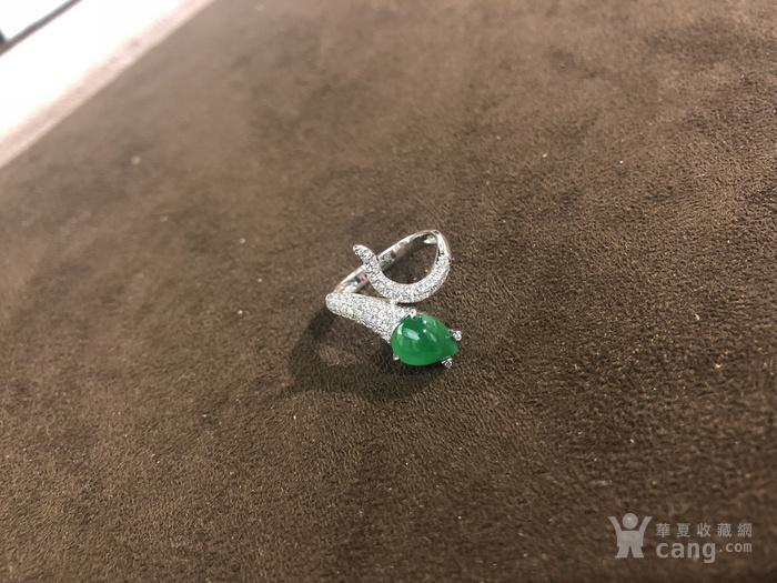 翡翠蛇形戒指