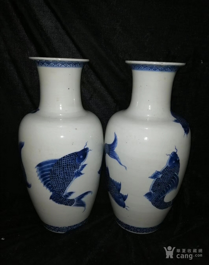 清代   康熙青花鲤鱼图花瓶一对图4