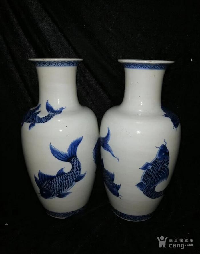 清代   康熙青花鲤鱼图花瓶一对图3
