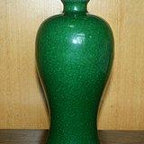 清中晚期哥窑绿釉梅瓶