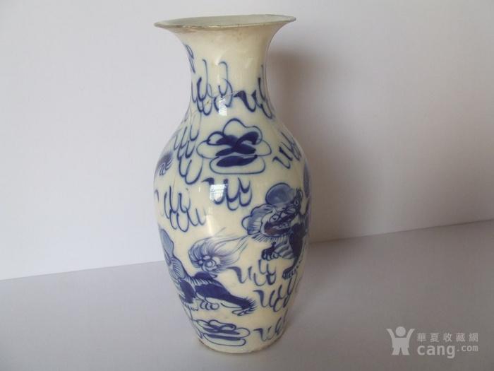 漂亮的清晚期麒麟纹满彩青花瓶图4