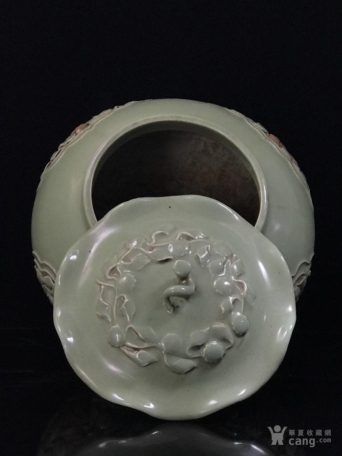 元龙泉窑捏花浮雕八仙人物荷叶盖罐33 35图8