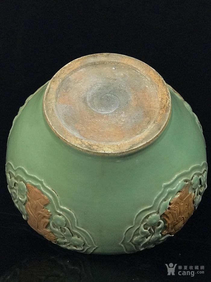 元龙泉窑捏花浮雕八仙人物荷叶盖罐33 35图9
