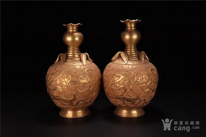 铜鎏金飞天仙女纹赏瓶一对 图4