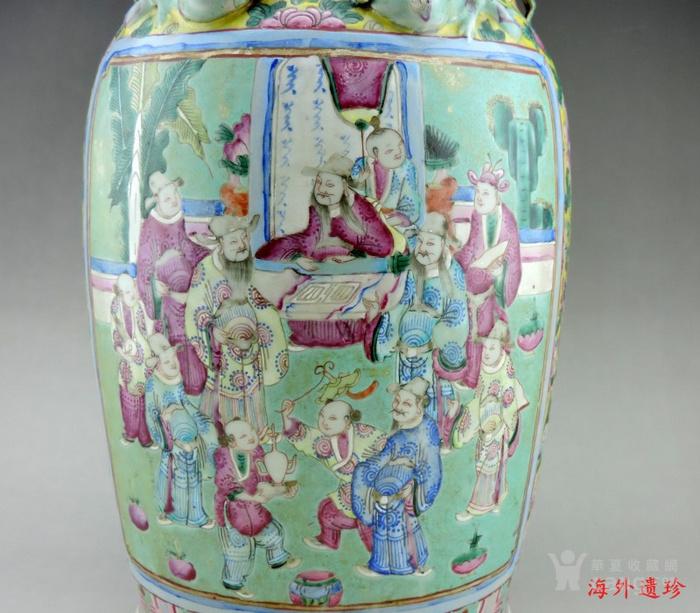 晚清 绿松石釉地粉彩故事人物螭龙狮耳大瓶图2