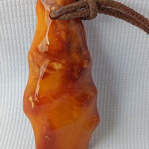 欧洲波罗的海天然随形老蜜蜡吊坠