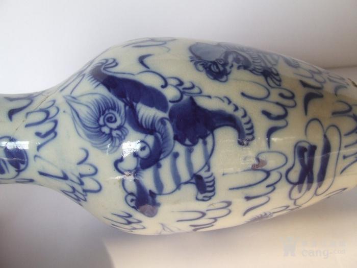 漂亮的清晚期麒麟纹满彩青花瓶图10