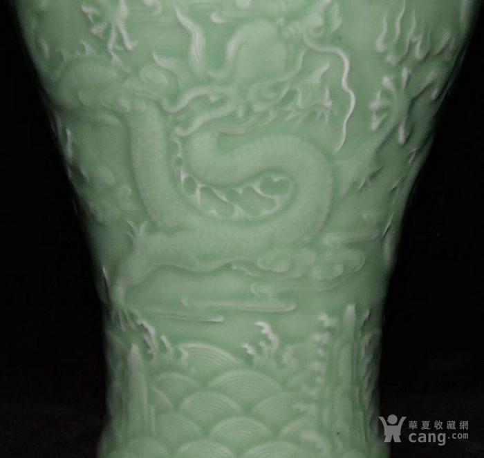 全品珍品美品 清,乾隆豆青釉雕刻五龍梅瓶30x17cm圖8