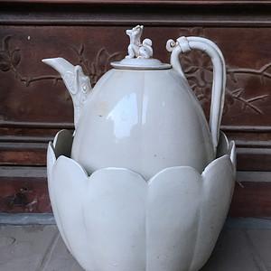 單色白釉燙酒壺