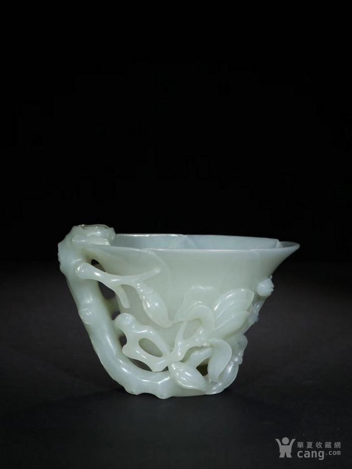 清 新疆和田玉籽料木兰花纹杯 图1