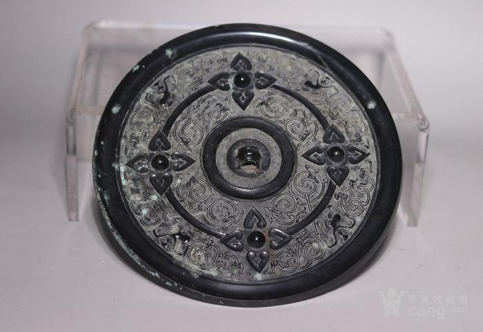 黑漆古花卉纹卷纹铜镜图2
