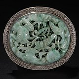 清代:银嵌翡翠花鸟纹雕件