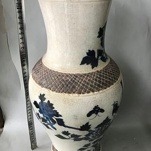开片青花瓶